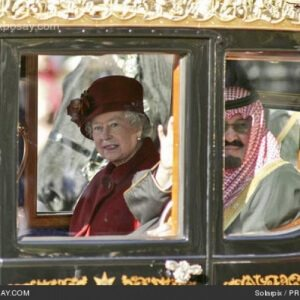 queen-elizabeth-ii-king-abdullah-of-saudi-arabia-visits-with-queen-elizabeth-ii-of-the-united-kingdom-on-october-30-2007-0SxX3o-500x500