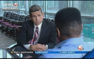 Noticias investiga JW delincuentes sexuales de puerta a puerta que va