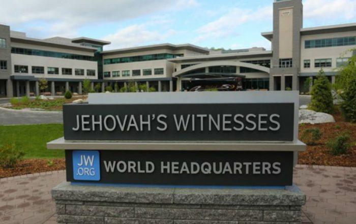 Ședința mondială a Martorilor lui Iehova, Warwick NY